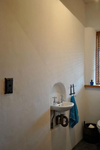 hollows-toilet-portr